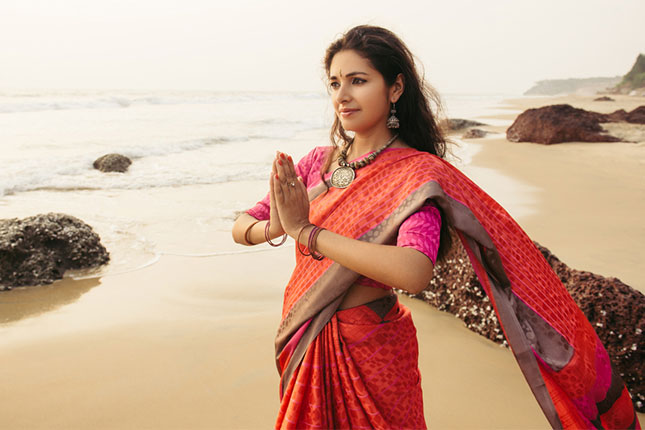 3 Factors to Consider While Buying an Indian Saree