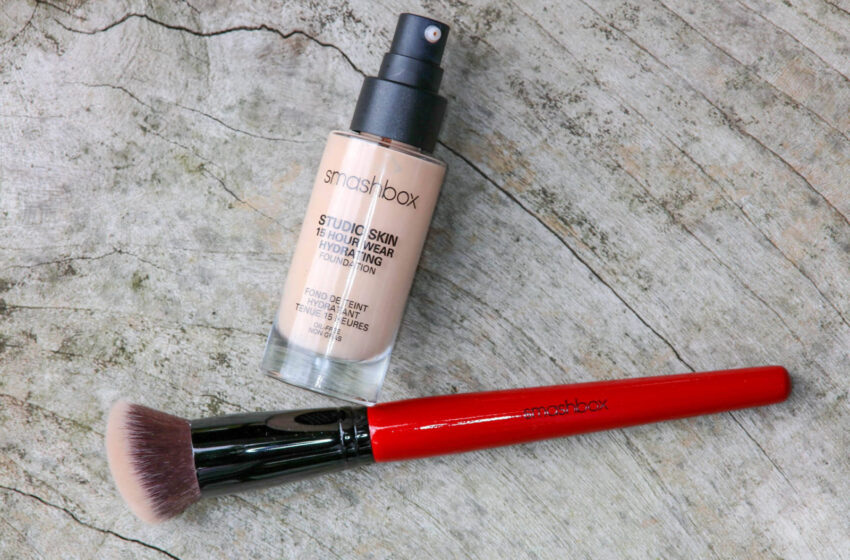 What are the Benefits of SmashBox Foundation?