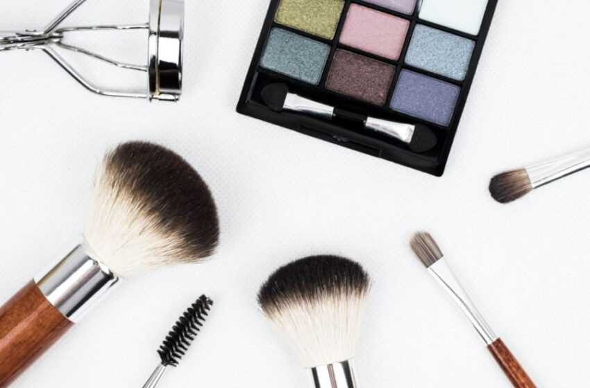 Why Do You Need to Become a Cosmetologist? Trends in the Beauty Industry