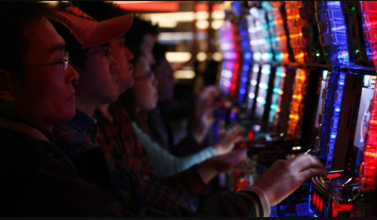 How Technology Shaped the Gaming and iGaming Industries
