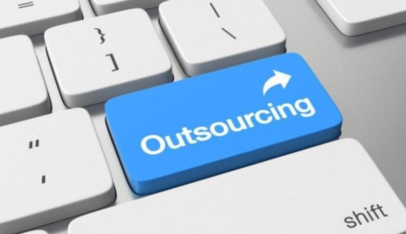 Data Science Outsourcing: Key Risks and Benefits