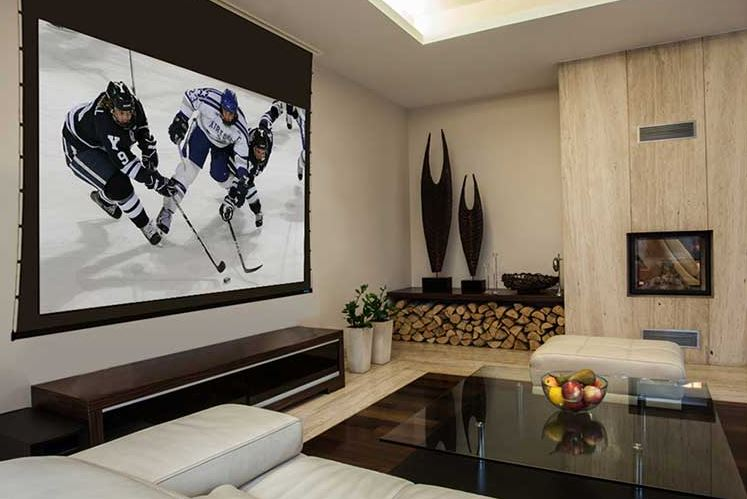 Fixed Screens vs Retractable Screens For Your Porch