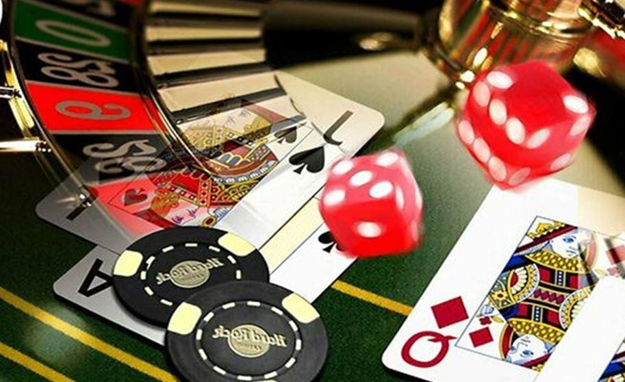 Slot Machine vs. Casino