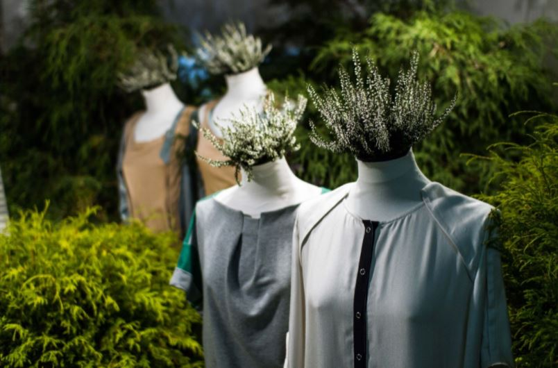 Designing Sustainable Fashion: Technologies to Shape a New Business Model